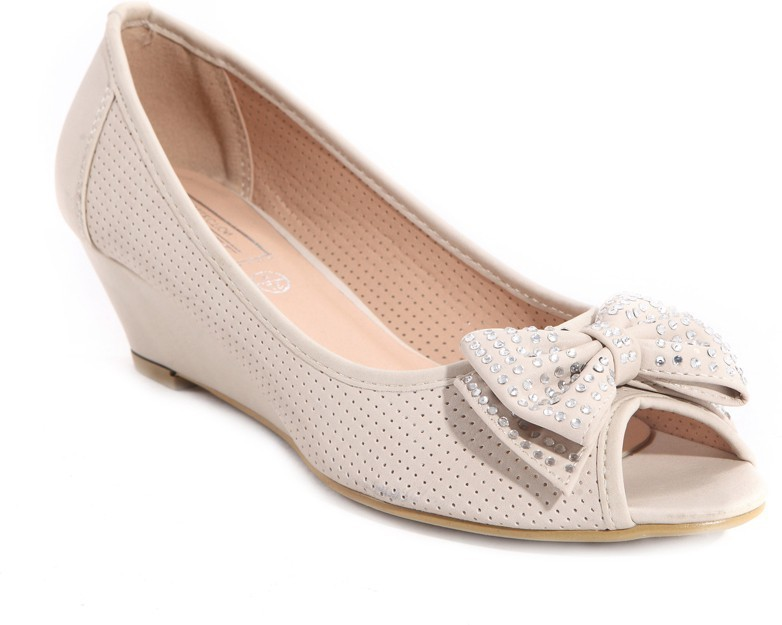 Truffle Collection MOK Nude SIZE 4 Shoe RRP £24.99 CLEARANCE XL £6